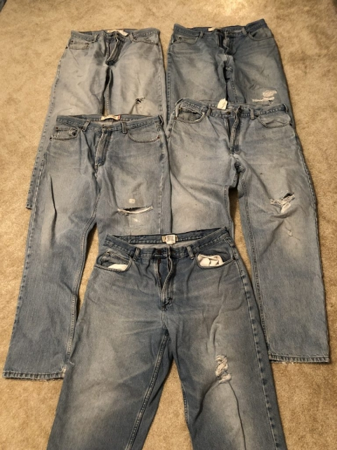 Pattern of wear in jeans